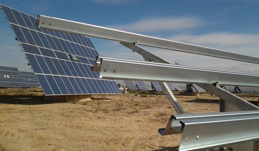 Instalar estructuras para celdas solares